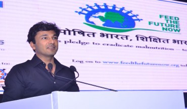 Mr Vikas Khanna addresses the gathering about his support towards Feed the Future Now
